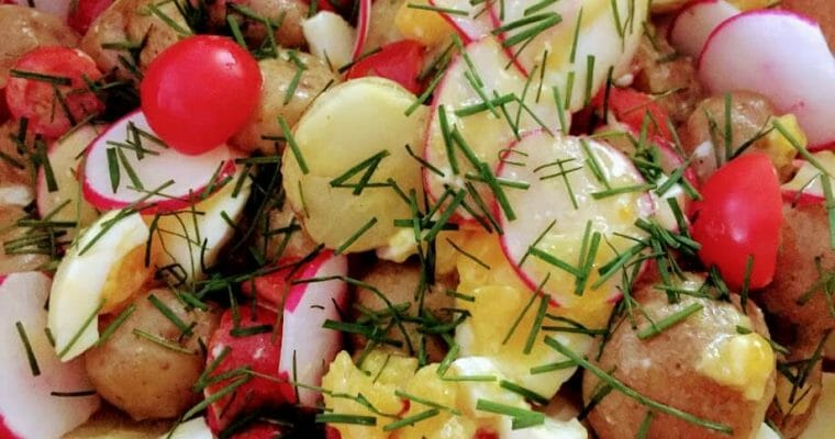 healthy potato salad with vinaigrette